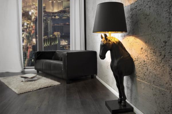 Stehlampe Black Horse